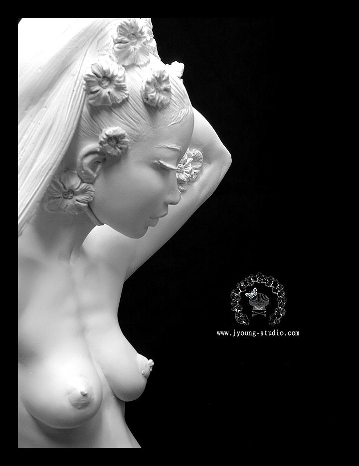 eroticheskaya-lesnaya-skulptura